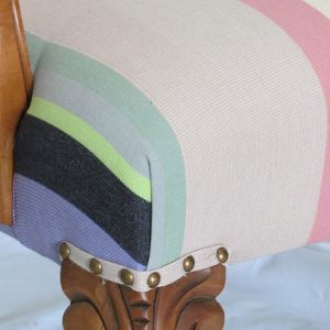 Chaise-ancienne-avec-tissu-Les-toiles-du-Soleil---Ste-Colombe-ecru