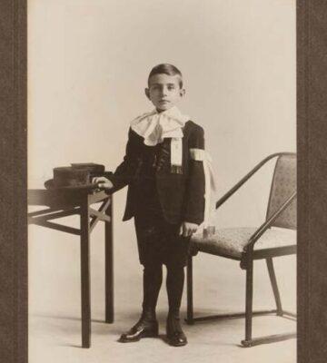 Portrait d'un communiant daté entre 1909 et 1930