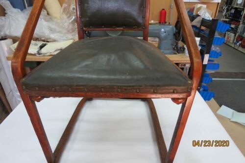 Chaise Hoffmann - Retirer clous de l'assise et dossier 1