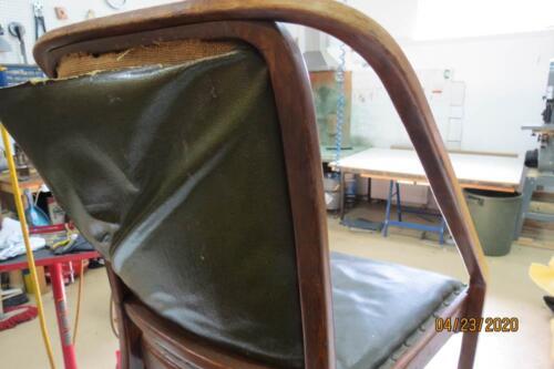 Chaise Hoffmann - Retirer clous de l'assise et dossier 6