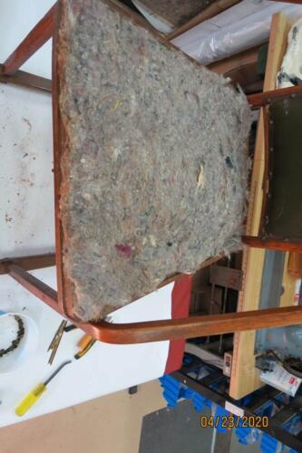 Chaise Hoffmann - Retirer les matériaux de bourre 3