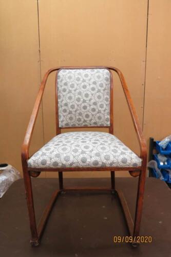 Chaise Hoffmann - 21. Pose du tissu de finition sur l'assise et l'avant de dos 1