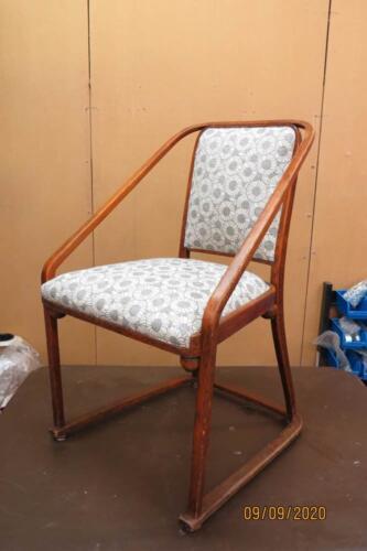 Chaise Hoffmann - 21. Pose du tissu de finition sur l'assise et l'avant de dos 2